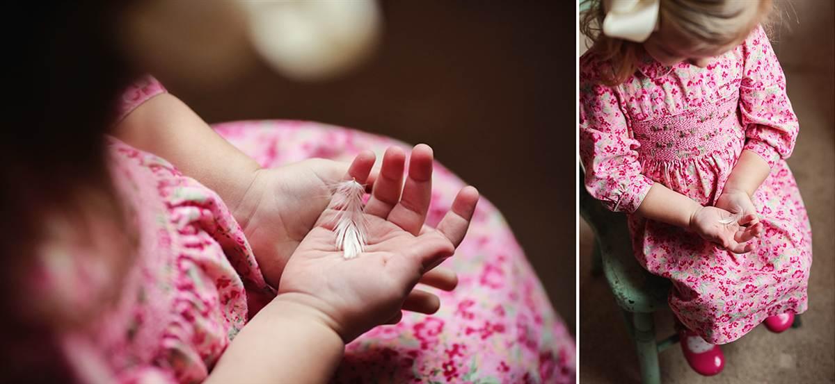 Pai e filha recriam maravilhosamente as fotos do álbum de casamento da falecida mãe 11