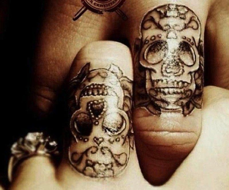 As melhores tatuagens de aliança de casamento 15