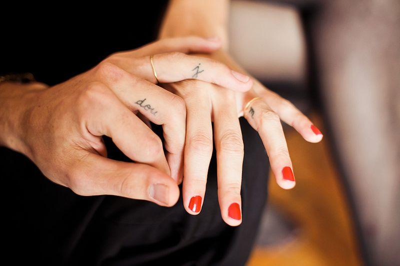 As melhores tatuagens de aliança de casamento 19