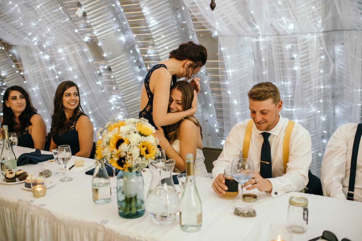 17 fotos de casamento que capturam à perfeição o amor entre irmãos 16