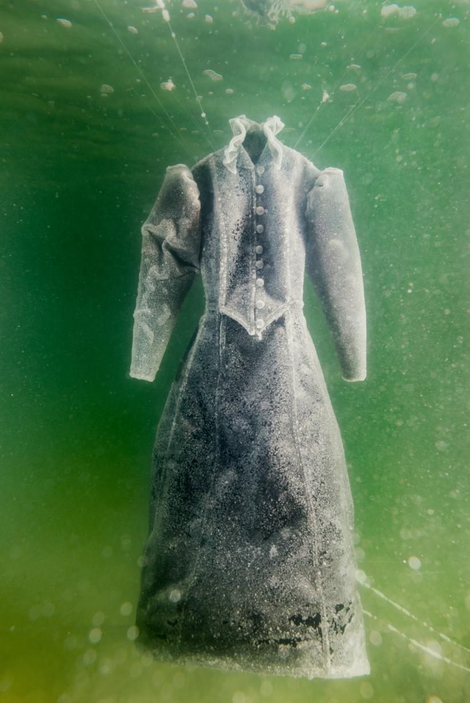 «Anos de Sal» explora a relação de vida de uma artista com o Mar Morto 12