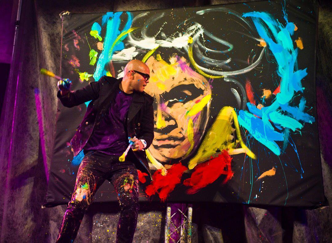 As explosivas performances de pintura de David Garibaldi e os CMYKs