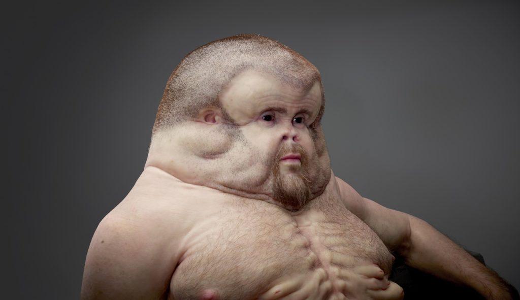 Esta grotesca escultura tem uma importante mensagem sobre a fragilidade do corpo humano