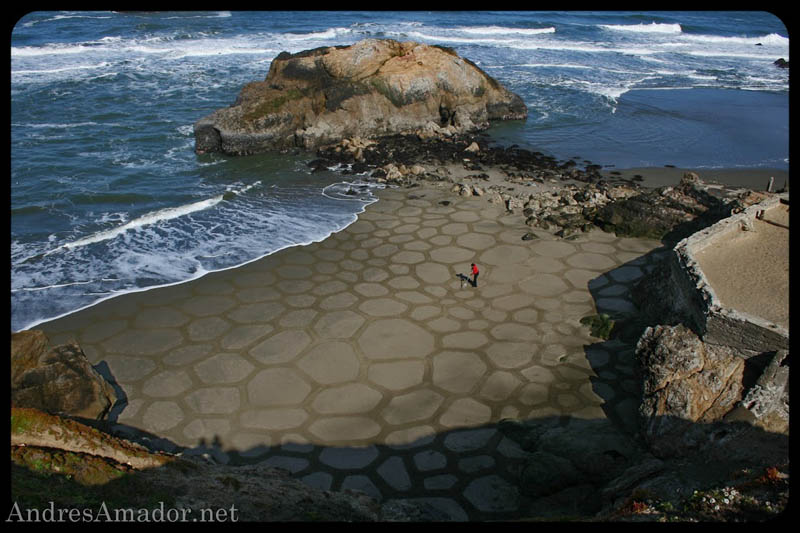 Obras de arte ef�meras na areia da praia 01