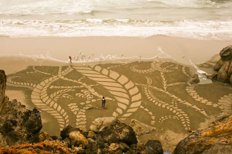 Obras de arte ef�meras na areia da praia 05