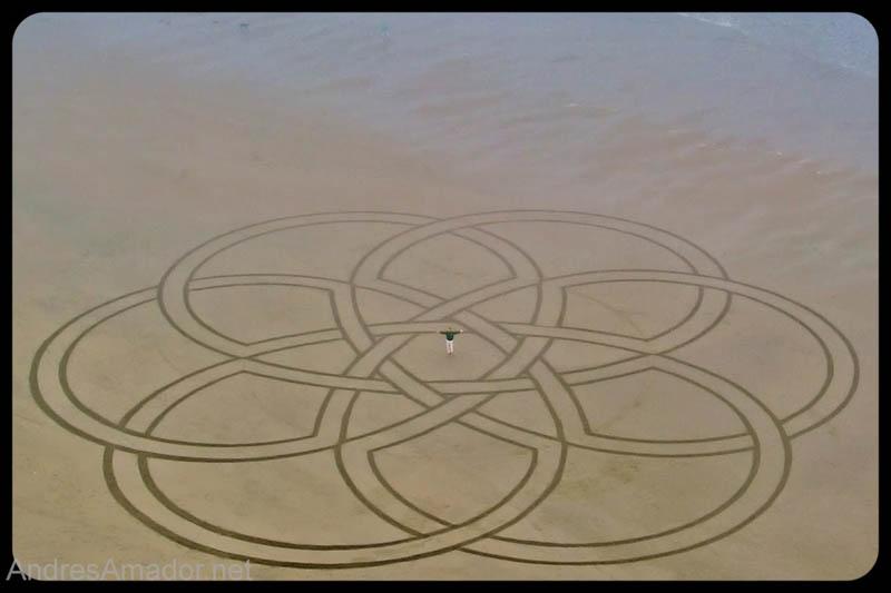 Obras de arte ef�meras na areia da praia 10
