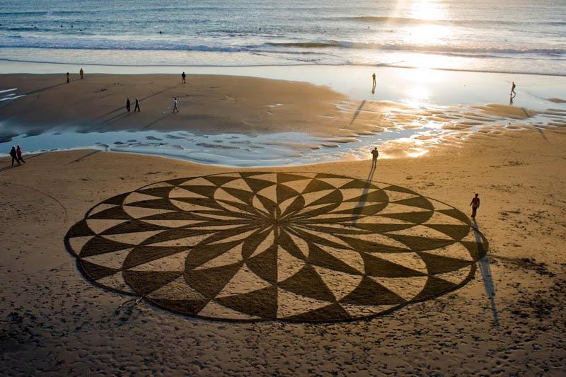Obras de arte ef�meras na areia da praia 21