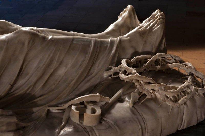 Esta pequena capela é o lar de algumas das maiores esculturas de mármore da história 06