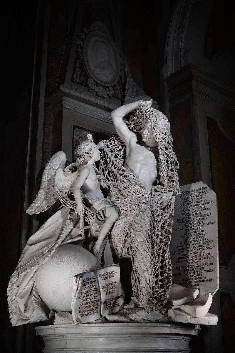 Esta pequena capela é o lar de algumas das maiores esculturas de mármore da história 09