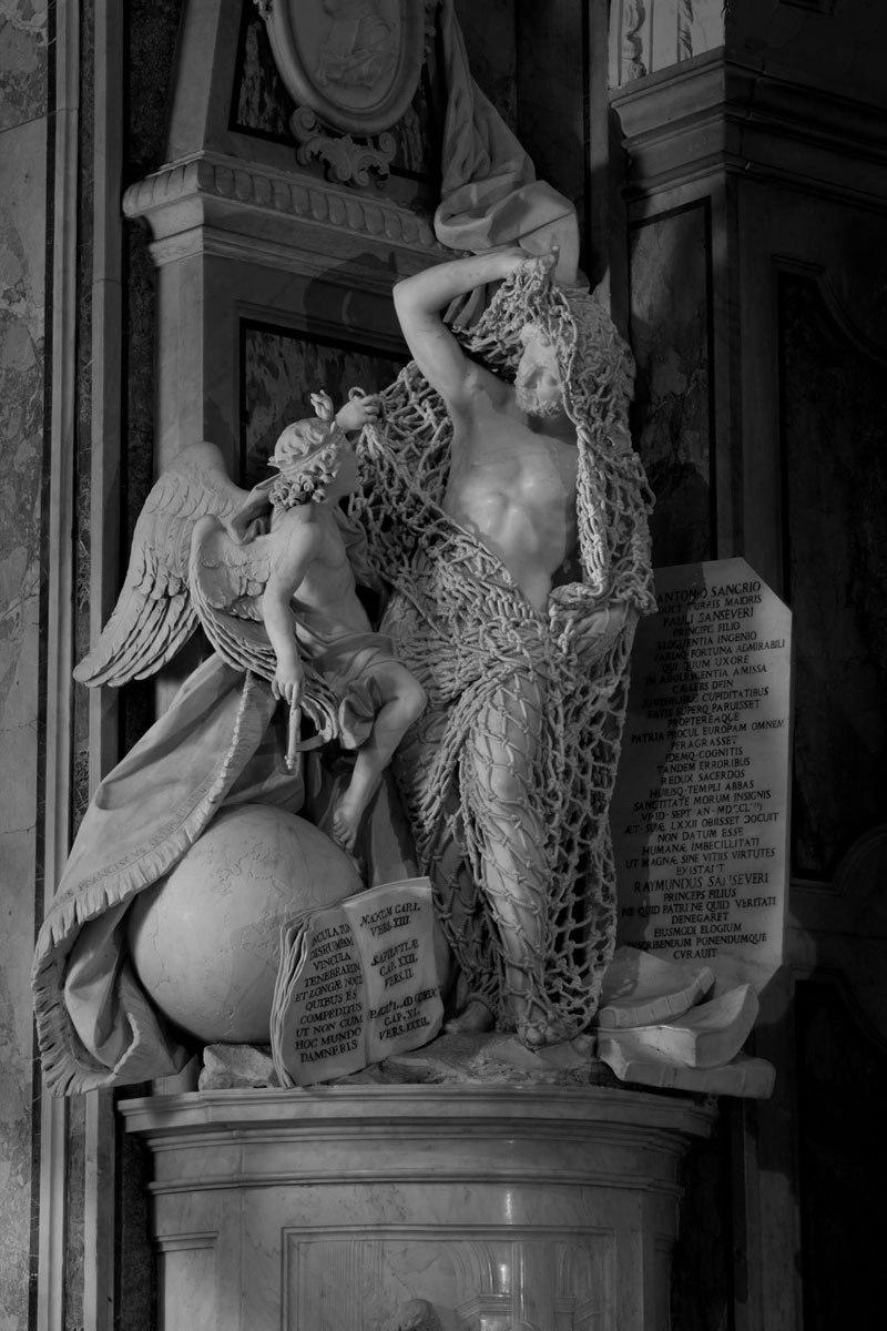 Esta pequena capela é o lar de algumas das maiores esculturas de mármore da história 14