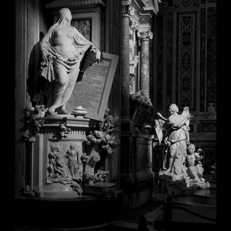 Esta pequena capela é o lar de algumas das maiores esculturas de mármore da história 21