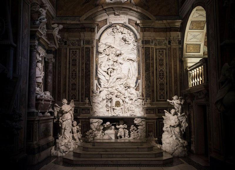 Esta pequena capela é o lar de algumas das maiores esculturas de mármore da história 22