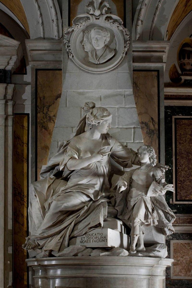 Esta pequena capela é o lar de algumas das maiores esculturas de mármore da história 29