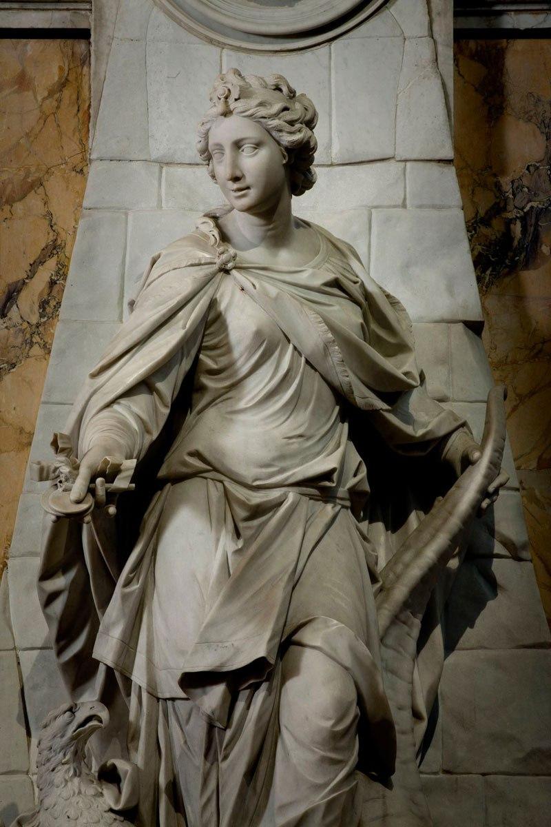 Esta pequena capela é o lar de algumas das maiores esculturas de mármore da história 31
