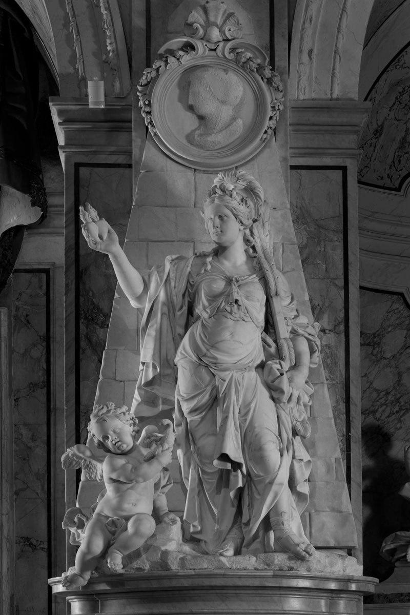 Esta pequena capela é o lar de algumas das maiores esculturas de mármore da história 33