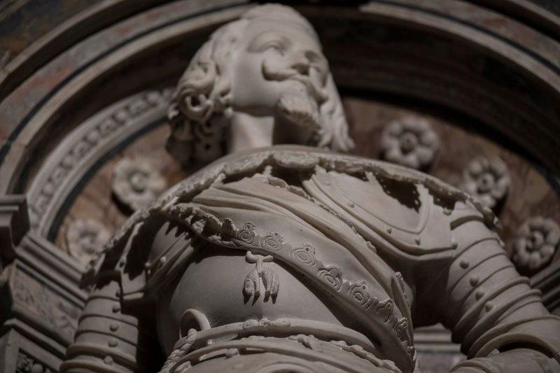 Esta pequena capela é o lar de algumas das maiores esculturas de mármore da história 37