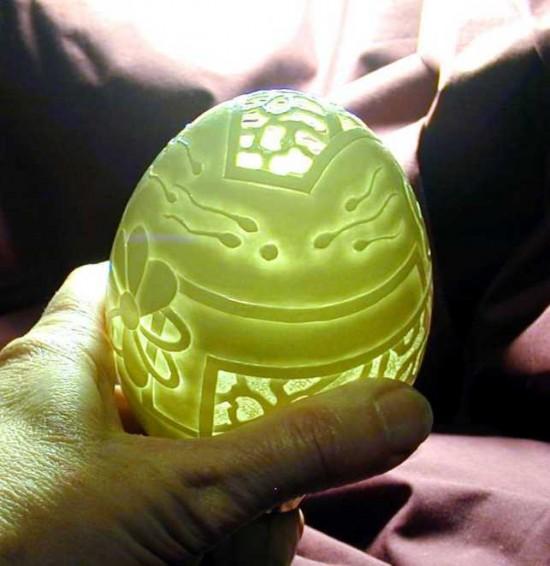 Incrível arte na casca de ovo de Gary LeMaster 06