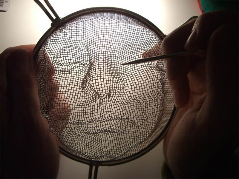 Intrincadas faces sombrias feitas com coadores 08
