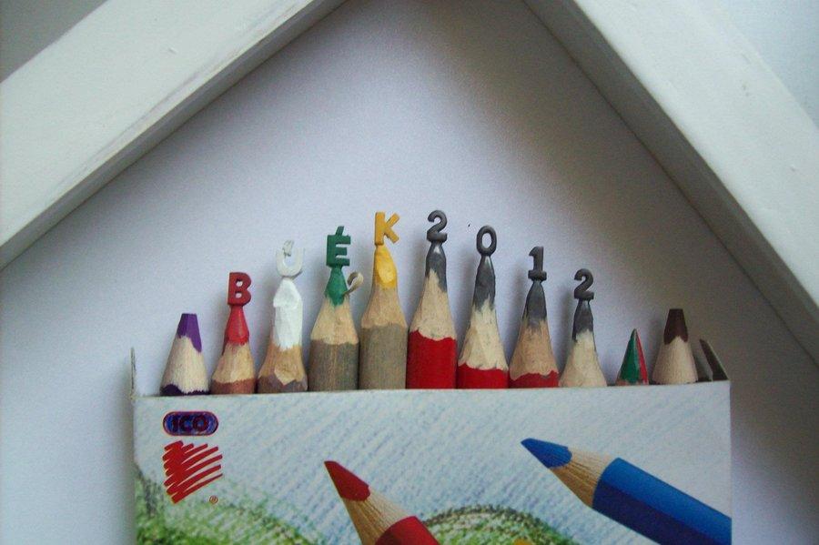 Intrincadas esculturas esculpidas a partir de um único lápis 05