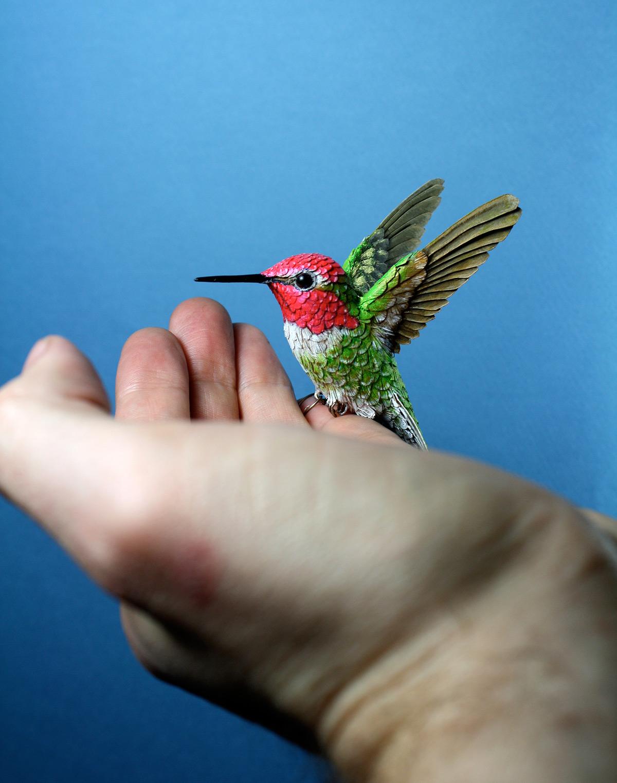 Pássaros artesanais feitos com madeira e papel por Zack Mclaughlin 01