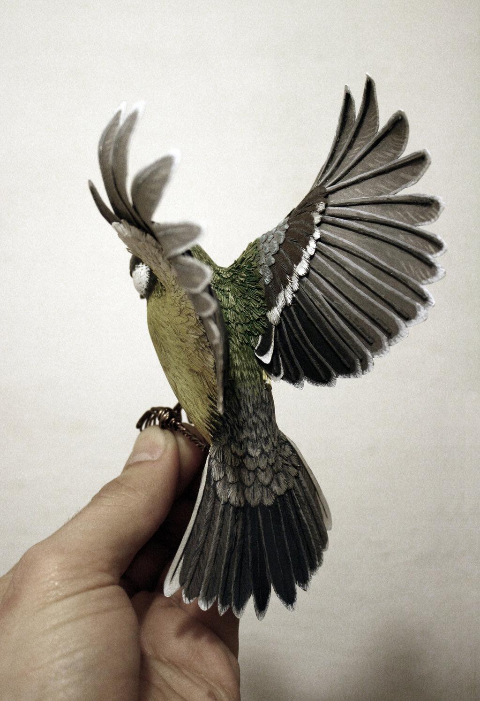 Pássaros artesanais feitos com madeira e papel por Zack Mclaughlin 04
