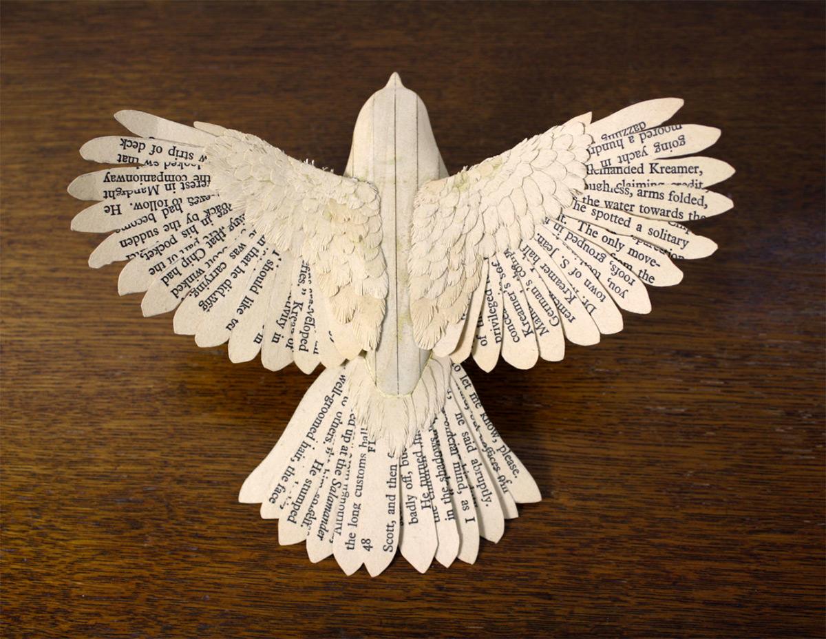 Pássaros artesanais feitos com madeira e papel por Zack Mclaughlin 05