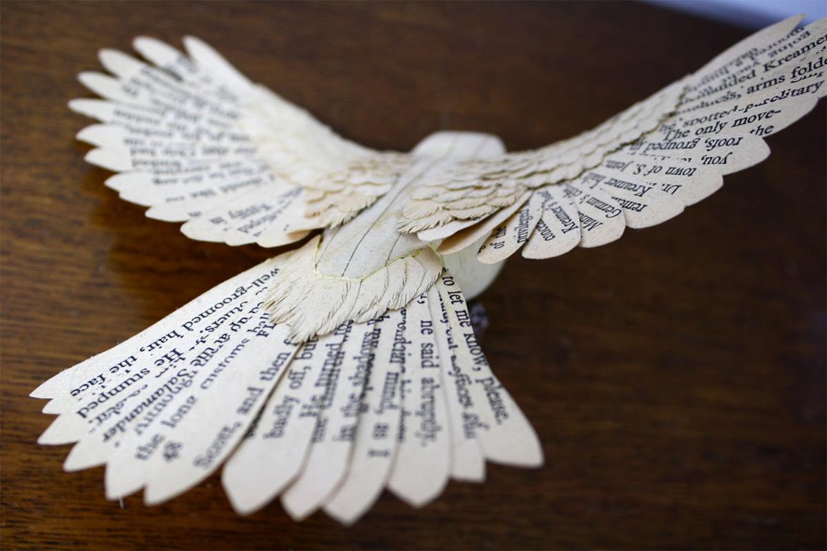 Pássaros artesanais feitos com madeira e papel por Zack Mclaughlin 06