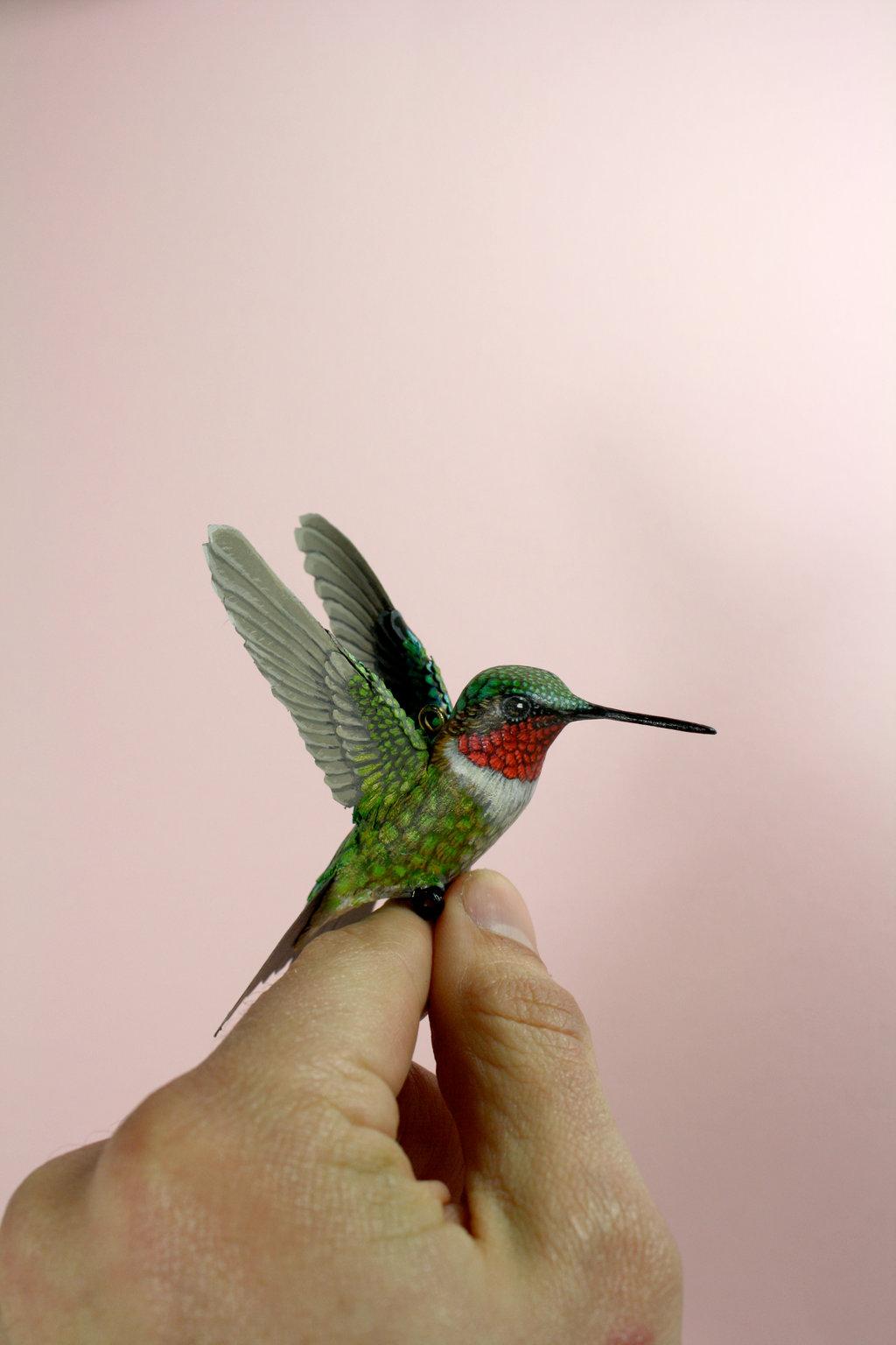 Pássaros artesanais feitos com madeira e papel por Zack Mclaughlin 08