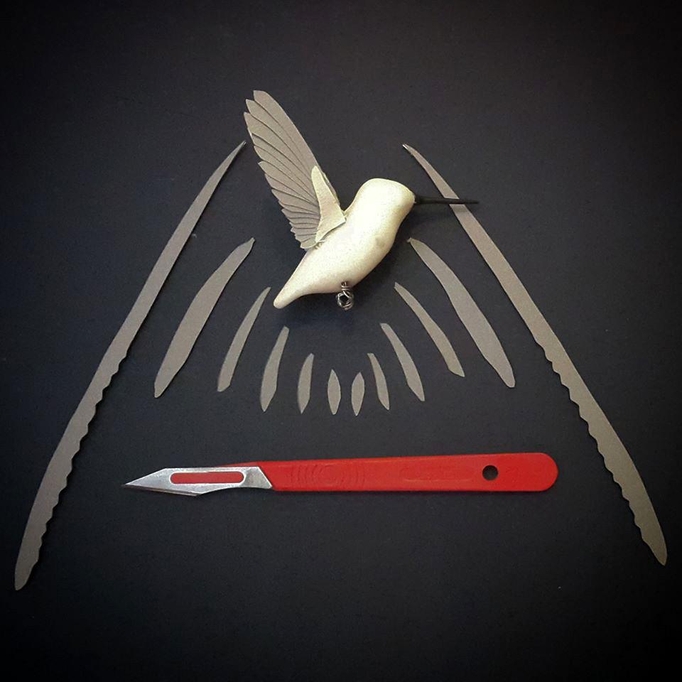 Pássaros artesanais feitos com madeira e papel por Zack Mclaughlin 10