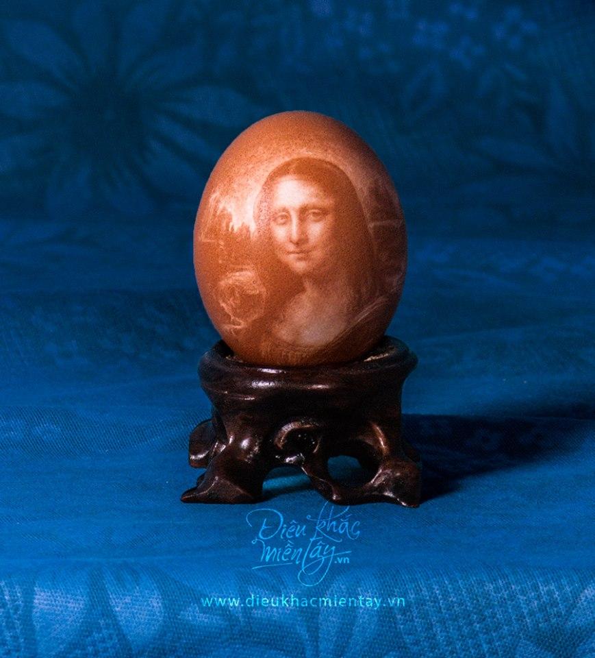 Artista vietnamita esculpe delicados retratos e paisagens em cascas de ovos 01