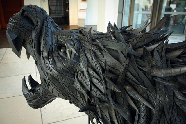 Esculturas surpreendentes de animais feitas com pneus velhos 08