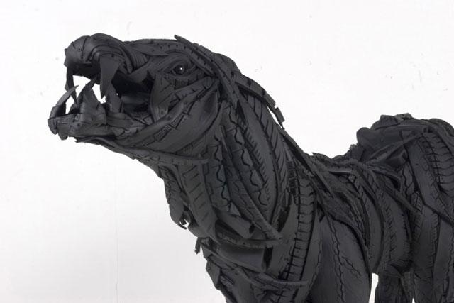 Esculturas surpreendentes de animais feitas com pneus velhos 15