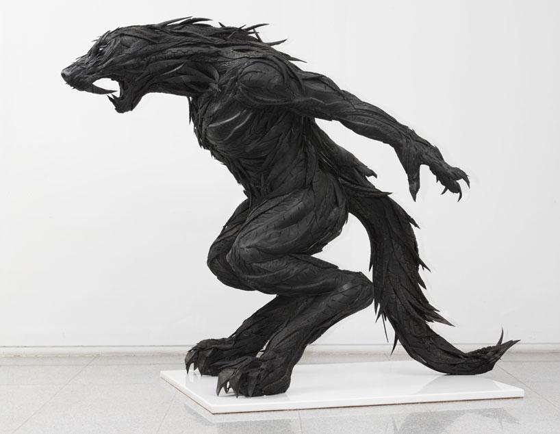 Esculturas surpreendentes de animais feitas com pneus velhos 23