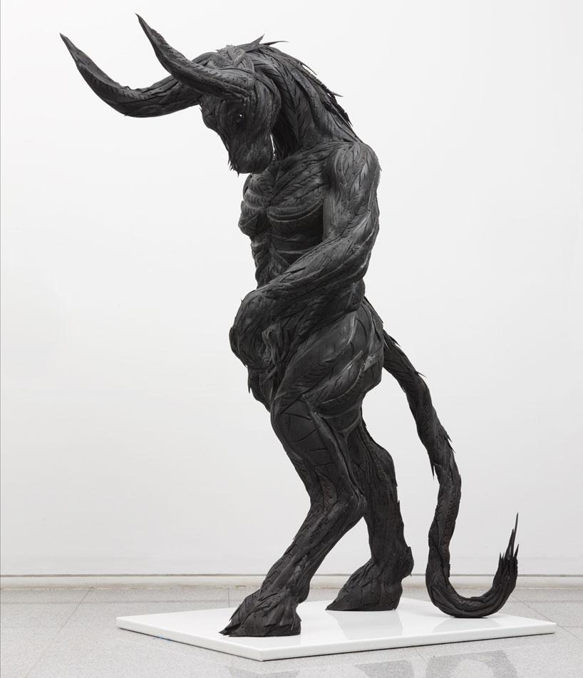 Esculturas surpreendentes de animais feitas com pneus velhos 24