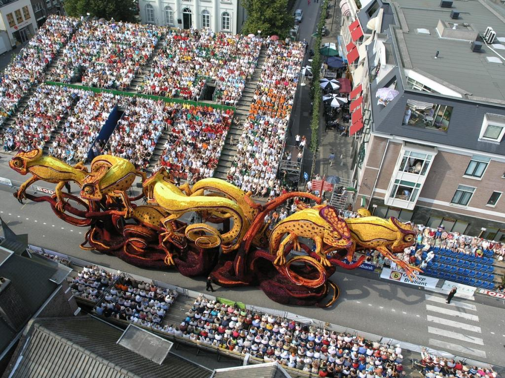 Festival Corso de Zundert 2014: a colorida festa de carros alegóricos decorados com flores 15