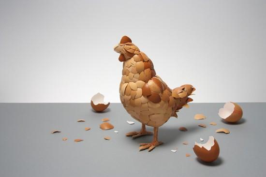 Galinha feita com cascas de ovos 01