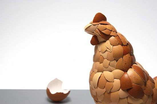 Galinha feita com cascas de ovos 02