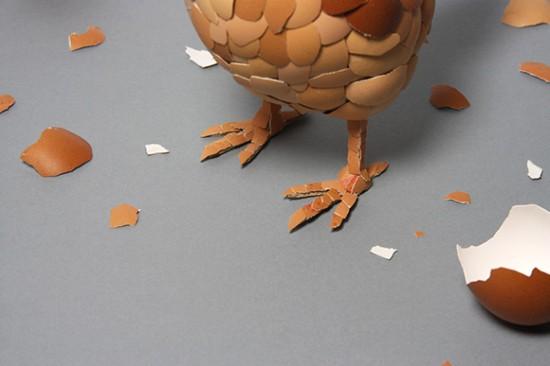 Galinha feita com cascas de ovos 03