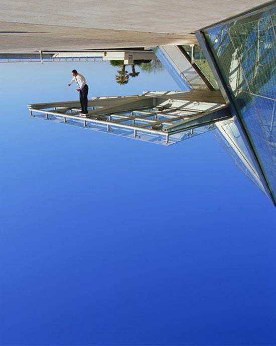 15 imagens não fotochopadas que desafiam a gravidade 04