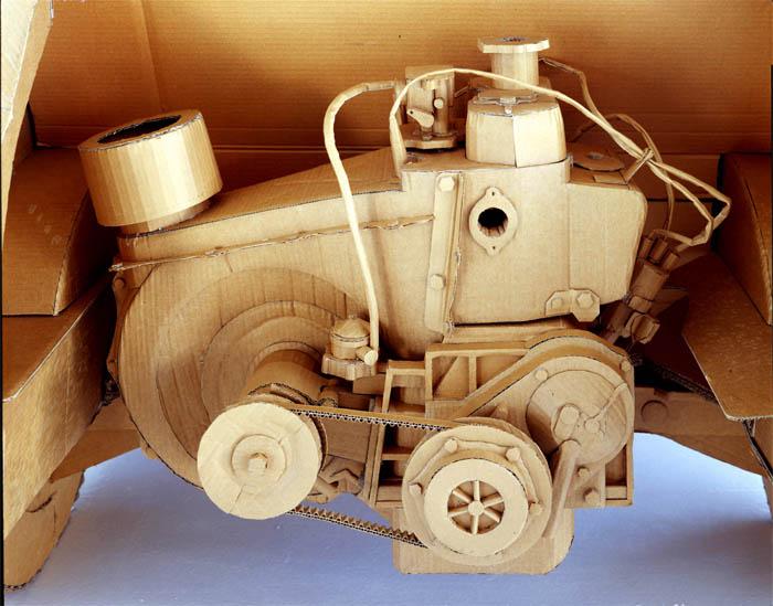 As incríveis esculturas de papelão de Chris Gilmour 05