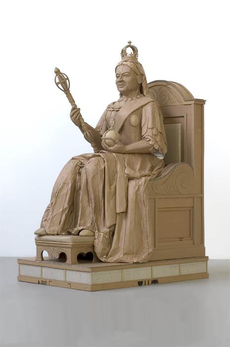 As incríveis esculturas de papelão de Chris Gilmour 08