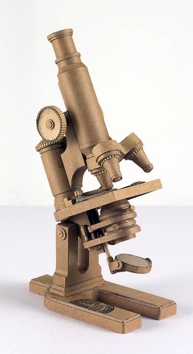 As incríveis esculturas de papelão de Chris Gilmour 13