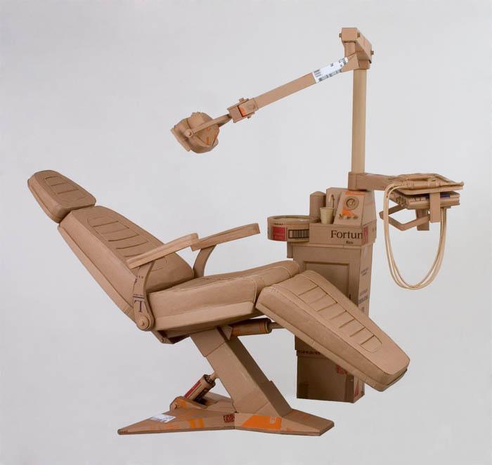 As incríveis esculturas de papelão de Chris Gilmour 14