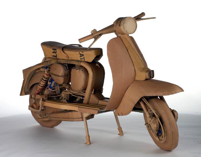 As incríveis esculturas de papelão de Chris Gilmour 19