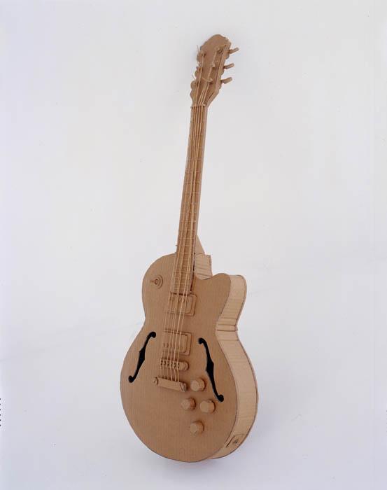 As incríveis esculturas de papelão de Chris Gilmour 23