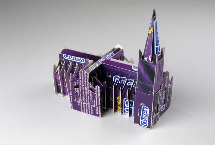 As incríveis esculturas de papelão de Chris Gilmour 26