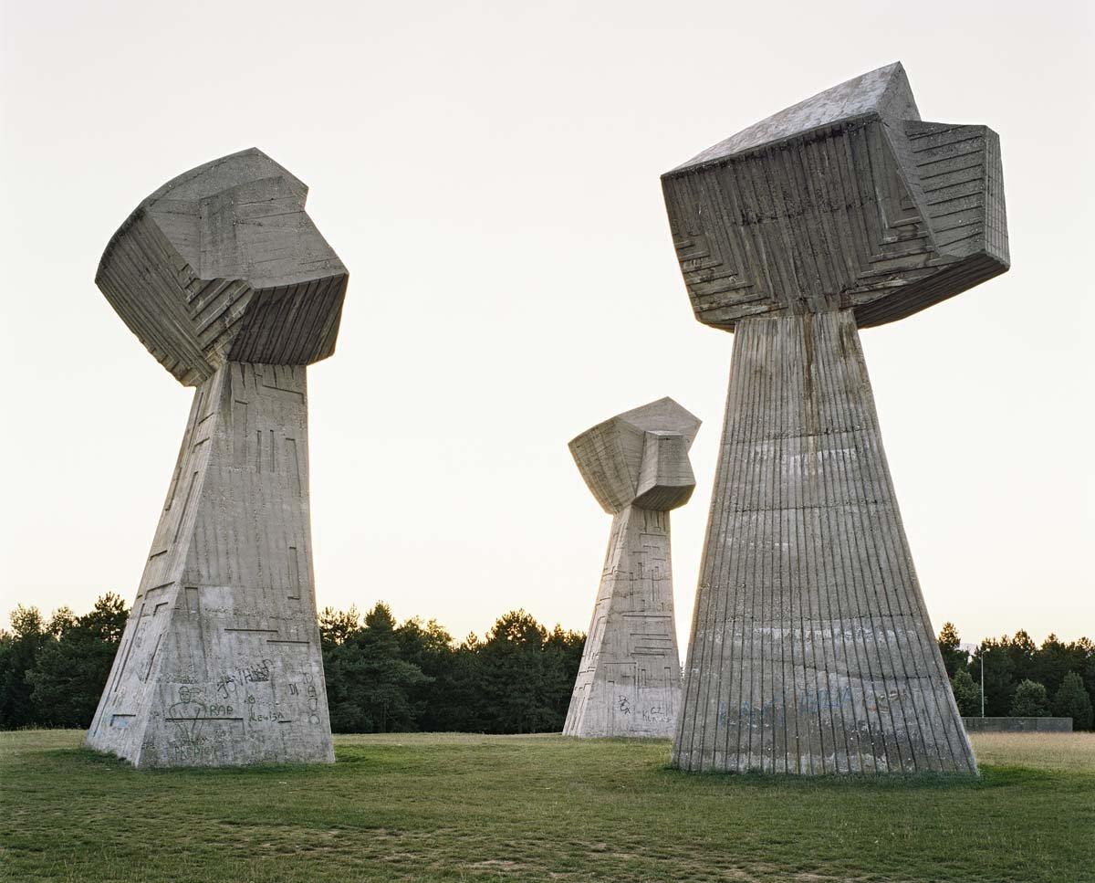Estes monumentos iugoslavos parecem rel�quias de uma civiliza��o alien�gena 05