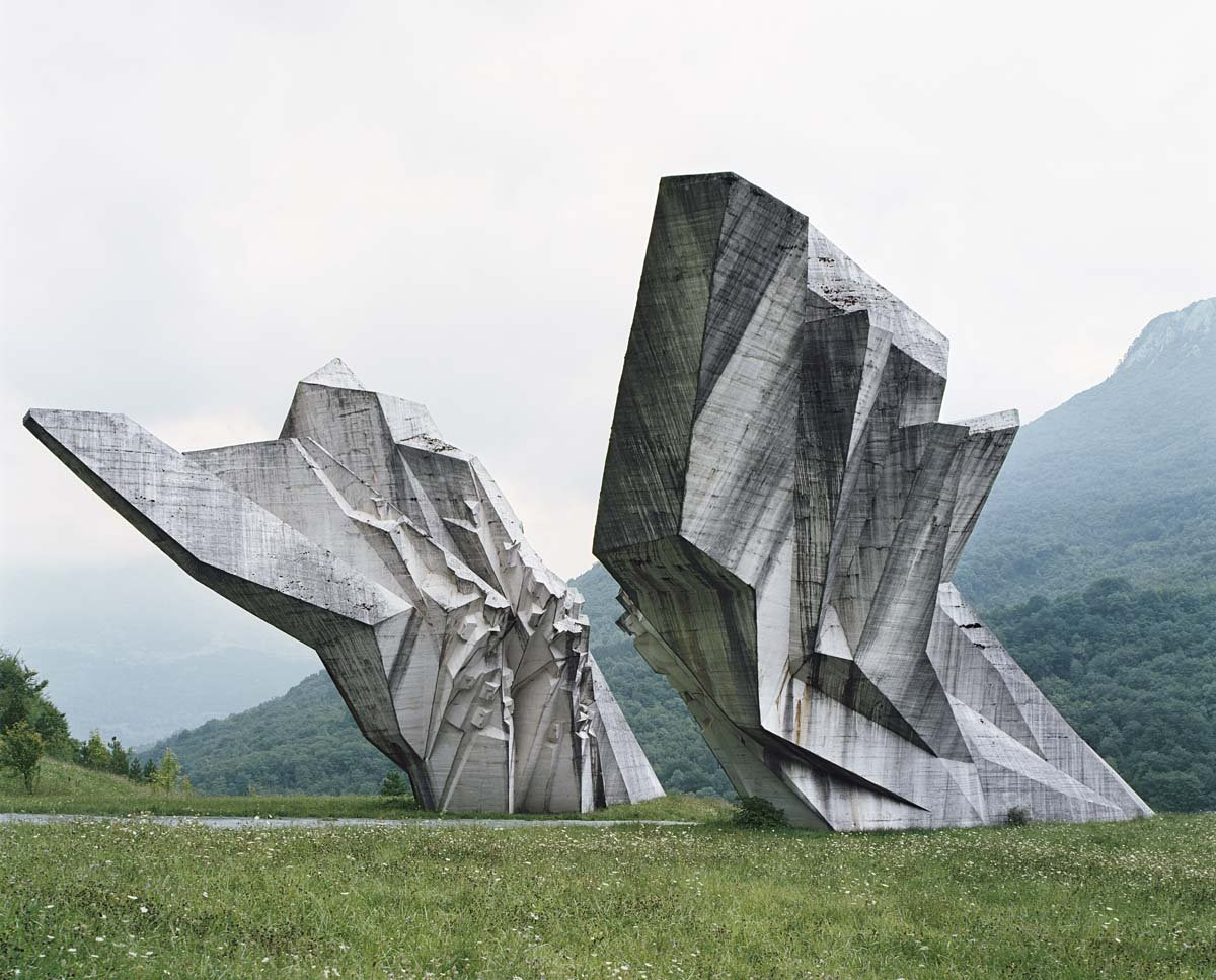 Estes monumentos iugoslavos parecem rel�quias de uma civiliza��o alien�gena 07