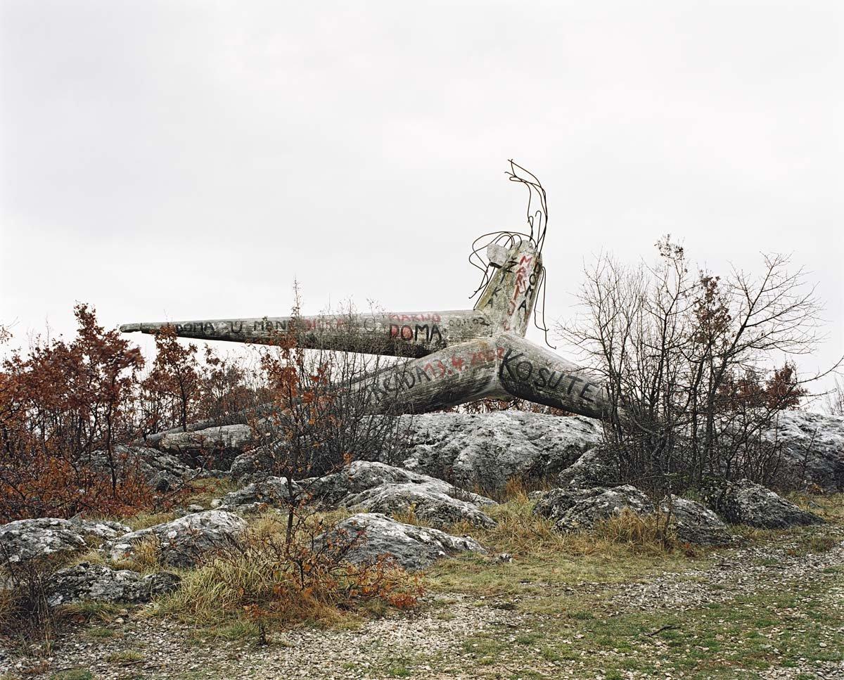 Estes monumentos iugoslavos parecem rel�quias de uma civiliza��o alien�gena 08