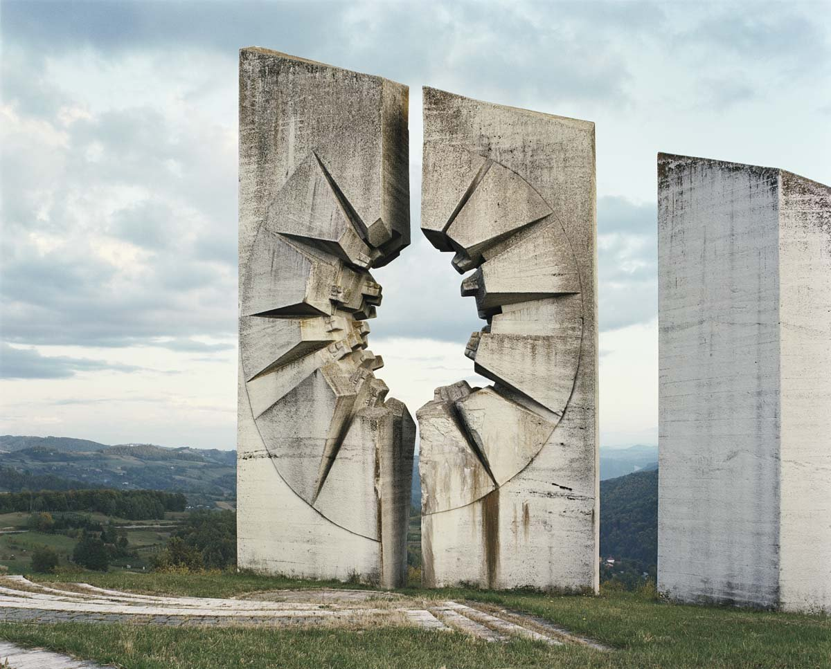 Estes monumentos iugoslavos parecem rel�quias de uma civiliza��o alien�gena 09